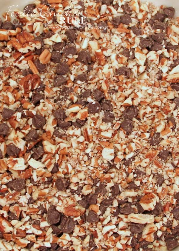 Bourbon Chocolate Pecan Pie -Pecans and Chocolate - #recipe #bourbon #chocolate #pie foodiechicksrule.com