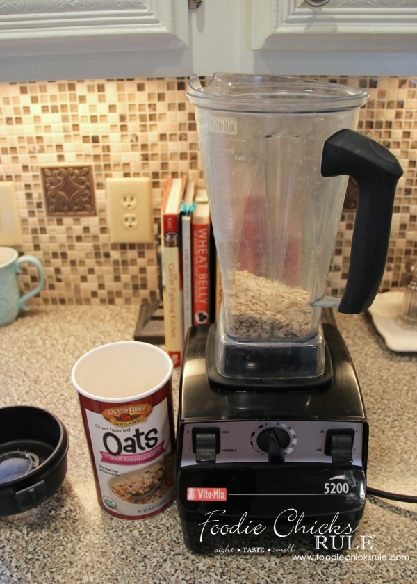 Ground Oats & Spelt Pancakes - Grinding Oats - #pancakes #groundoatmeal #spelt #vitamix #foodiechicksrule foodiechicksrule.com