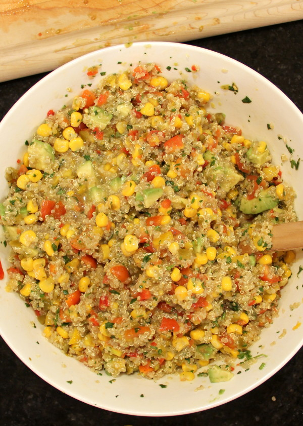 Avocado, Corn & Quinoa Salsa - SO delicious - #avocado #quinoa #salsa foodiechicksrule.com