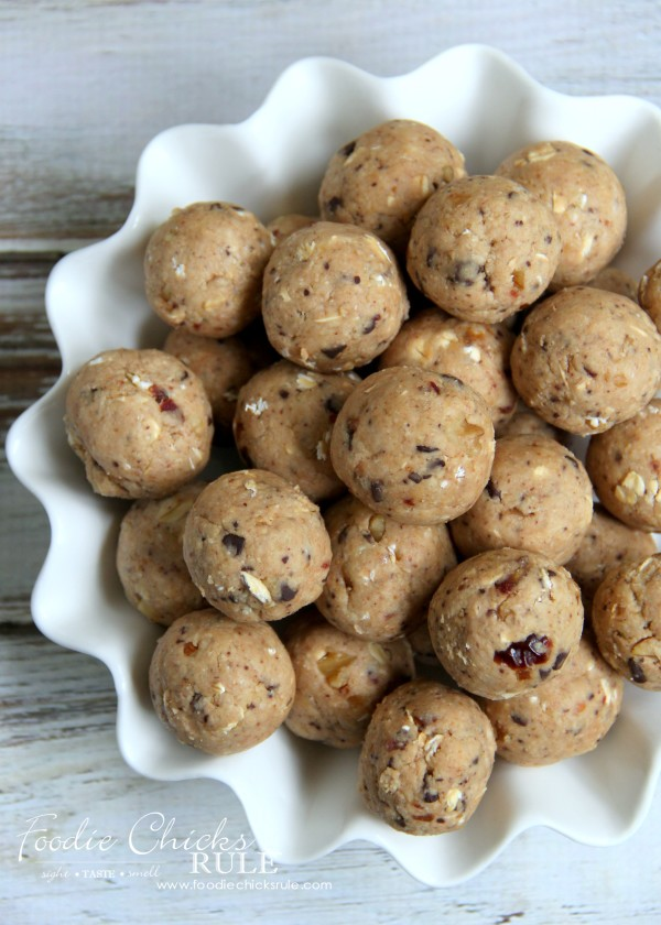 Gluten Free Healthy Breakfast Balls (and snacks) - Grab & Go! #glutenfree foodiechicksrule