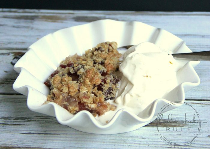 Gluten Free Cranberry Apple Crisp - foodiechicksrule.com #glutenfree #cranberryapple #applecrisp