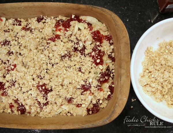 Guten Free Cranberry Apple Crisp - adding delicious topping - foodiechicksrule #recipe #cranberryapple #applecrisp #glutenfree