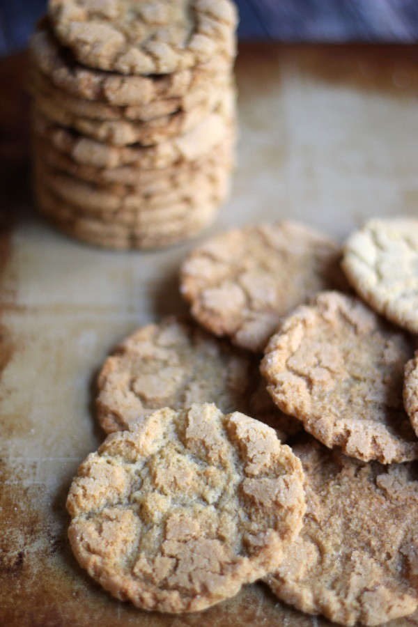 Cracked Brown Sugar Cookies - DELICIOUS - #foodiechicksrule #brownsugarcookies