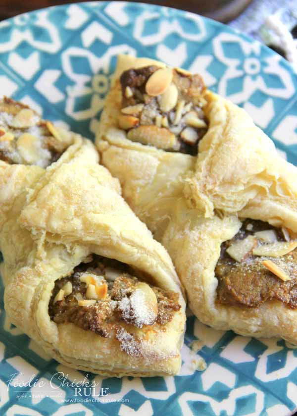 Pistachio Almond Pastry - DELICIOUS - foodiechicksrule.com #almondpastry #pistachiopastry #pistachio