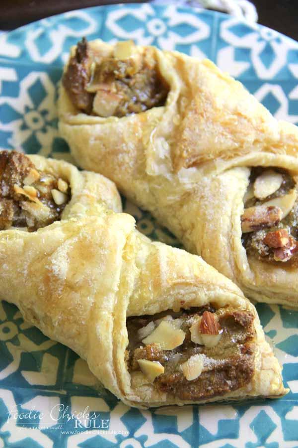 Pistachio Almond Pastry - YUMMY RECIPE - foodiechicksrule.com #almondpastry #pistachiopastry #pistachio