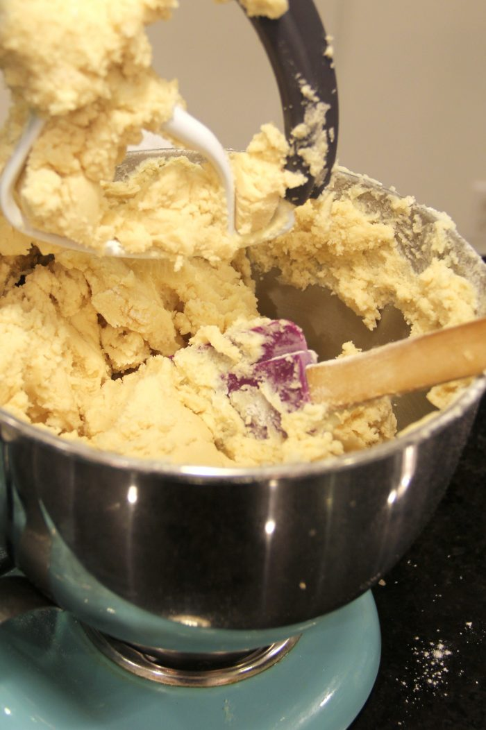 Best Shortbread Cookie Recipe ..... EVER!!!! Really!!! foodiechicksrule.com #shortbreadcookies #shortbreadrecipe #bestshortbread #ediblecookiedough