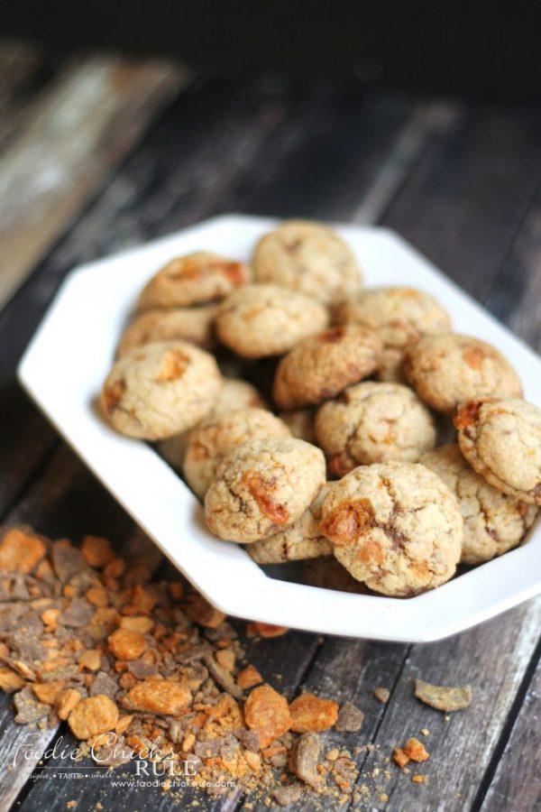 Butterfinger Biscotti Bites (Butterfinger Cookies, Butterfinger Desserts)- Delish!! artsychicksrule.com